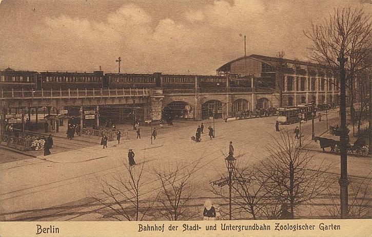 Berlin postcard Zoo Station