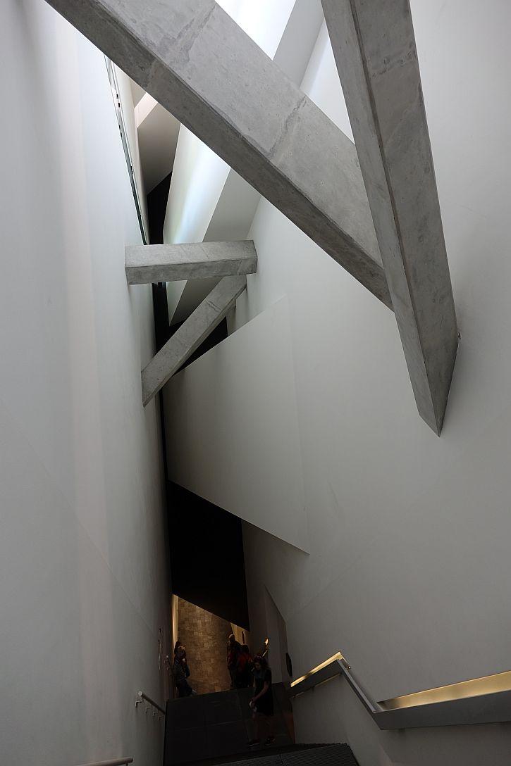 Jewish Museum Berlin diagonals