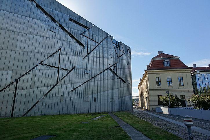 Jewish Museum Berlin exterior 3