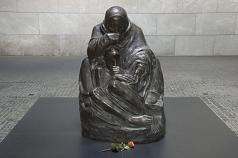 Kathe Kollwitz, Mother and Dead Son