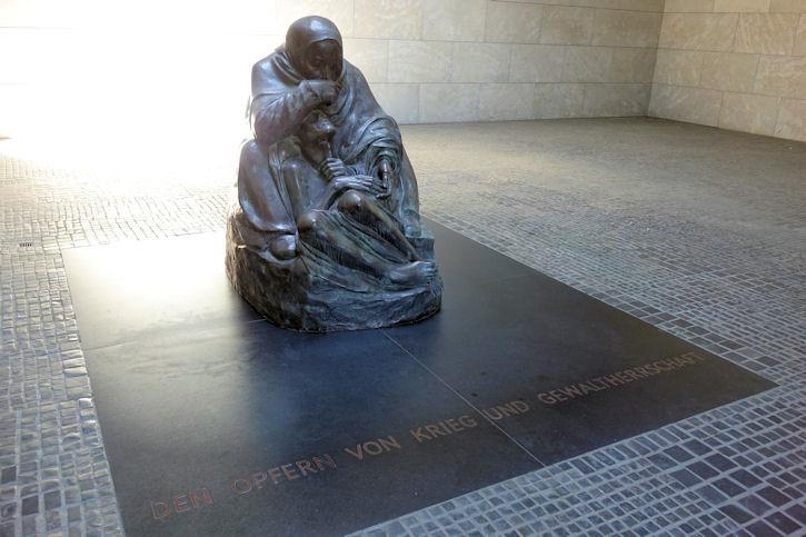 Kollwitz Pieta 1
