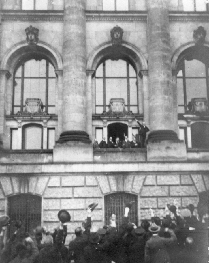 Scheidemann's proclamation on the Reichstag balcony, 9 November 1918