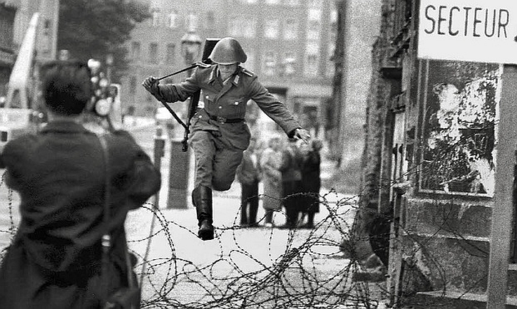 Wall jumper: 19-year-old guard Conrad Schumann on August 15, 1961, just the third day of the wall's construction.
