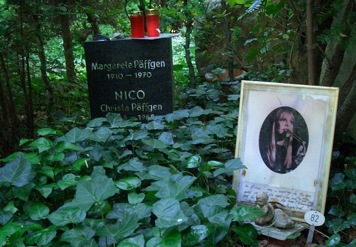 Nico's grave in the Friedhof Grunewald-Forst