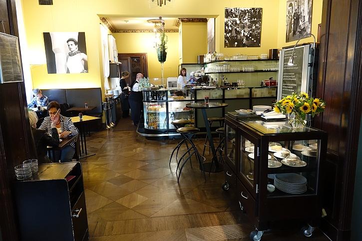 Wintergarden cafe interior