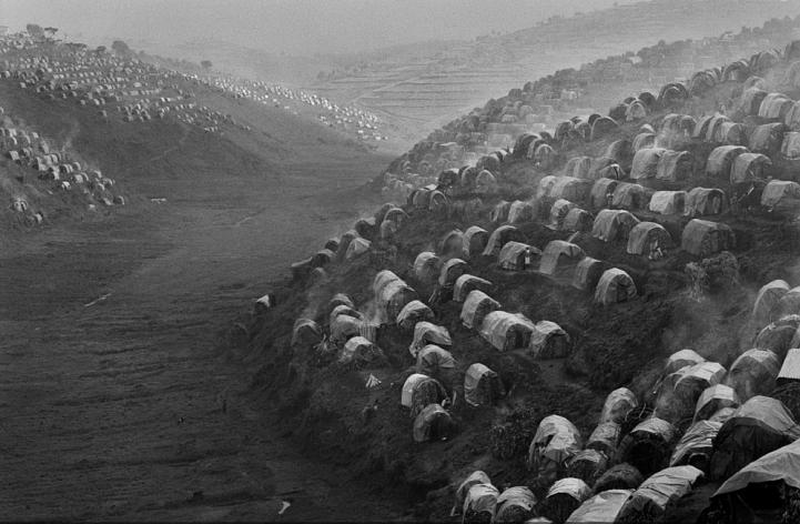 Refugee camp in Rwanda 1995