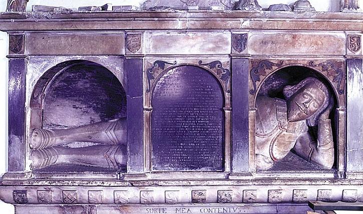 Monument to captain Efan Llwyd, Llanarmon-yn-Ial church, 1639