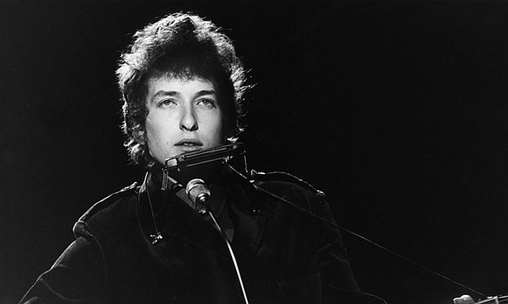 Bob Dylan performing at BBC TV Centre, 1 June 1965