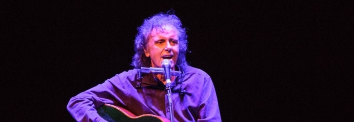 Donovan at the Phil: disappointing and bizarre