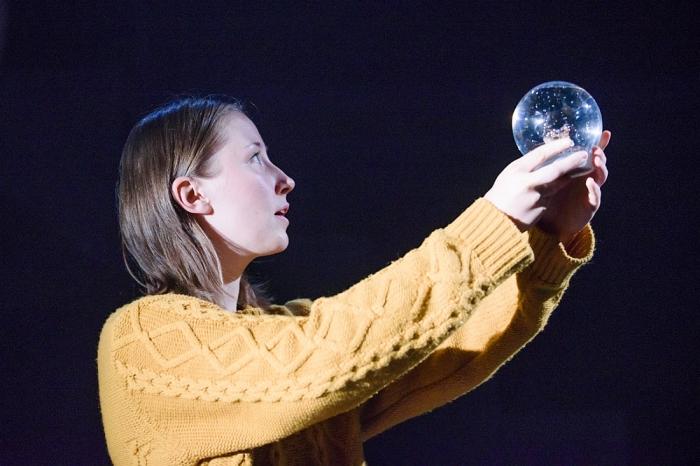 Headlong's <em>The Glass Menagerie</em>: 'how beautiful, and how easilybroken'