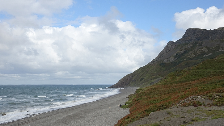 The lonely shore at Porth y Nant