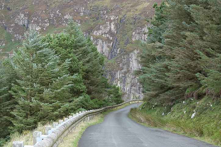 The road into Nant Gwrtheryn