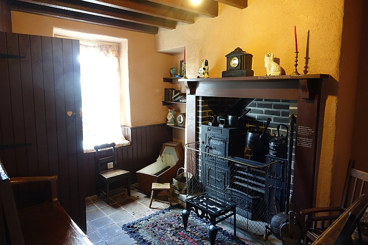 Nant Gwrtheryn cottage