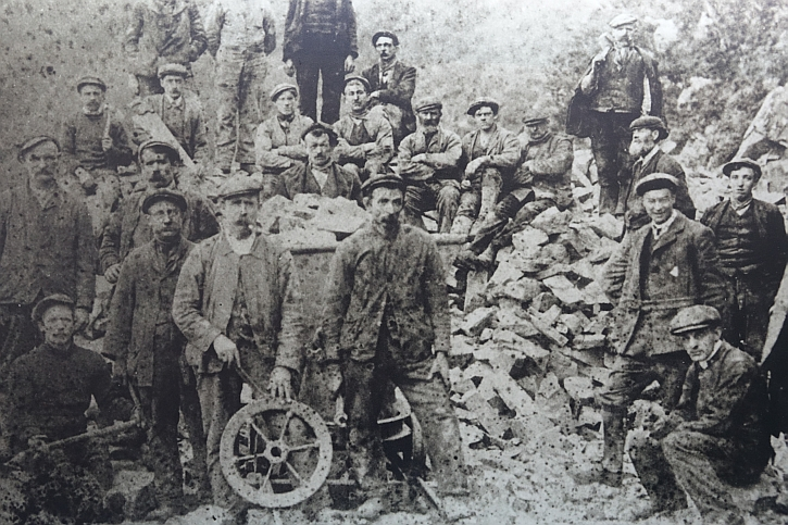 Workers at Nant Gwrtheryn, c1870