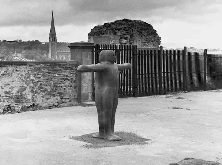 Antony Gormley, Sculpture for Derry Walls, in situ