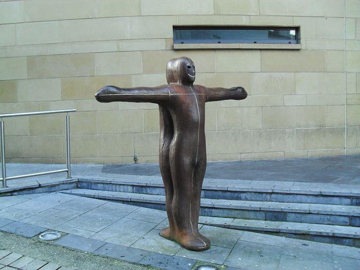 Antony Gormley, Sculpture for Derry Walls,