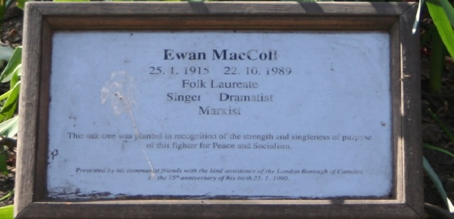 Ewan MacColl plaque in Russell Square