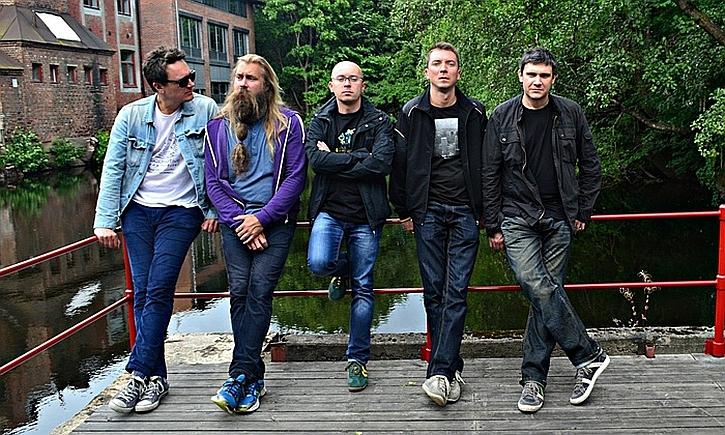 Jacob Young (left) with saxophonist Trygve Seim, with Marcin Wasilewski, Michal Miskiewicz and Slawomir Kurkiewicz