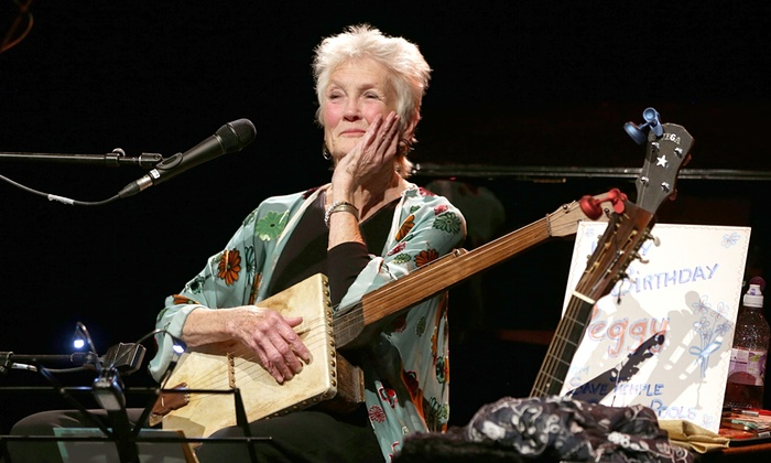 Peggy Seeger looking pretty amazing at 80