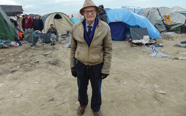 Harry Leslie Smith at the Calais refugee camp
