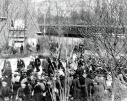 Arrival of Jews at the station of Vught 2