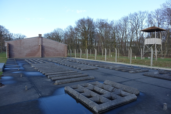 Vught: the model of the SS camp