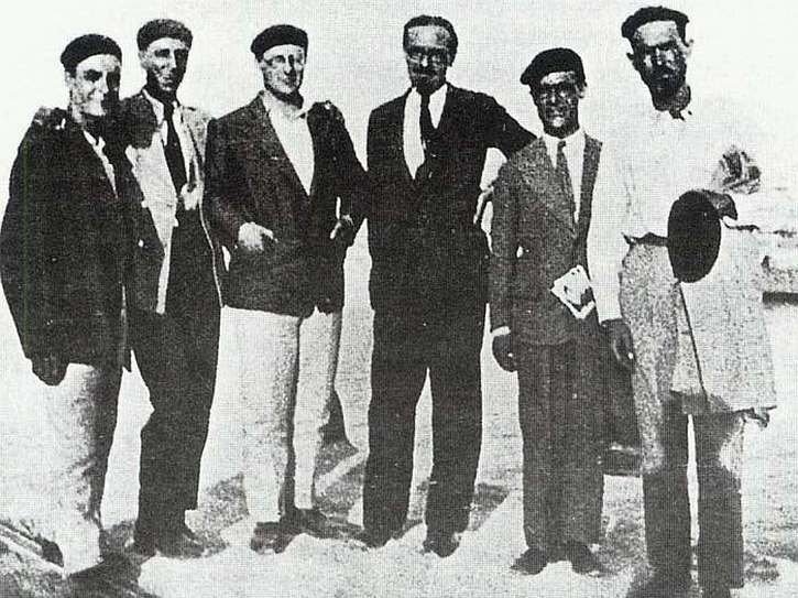 Altiero Spinelli, Ernesto Rossi and Eugenio Colorni and others departing Ventotene