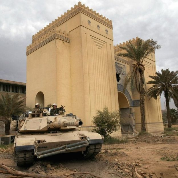 US troops guard the Museum of Baghdad