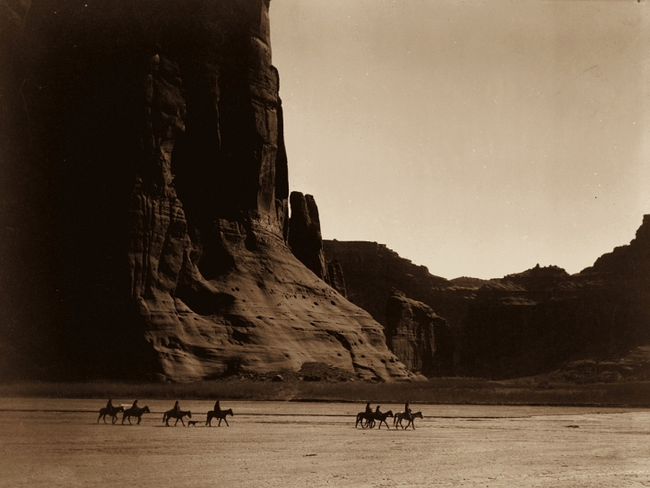 Canyon de Chelly, Navajo: photo from 'Touch the Earth
