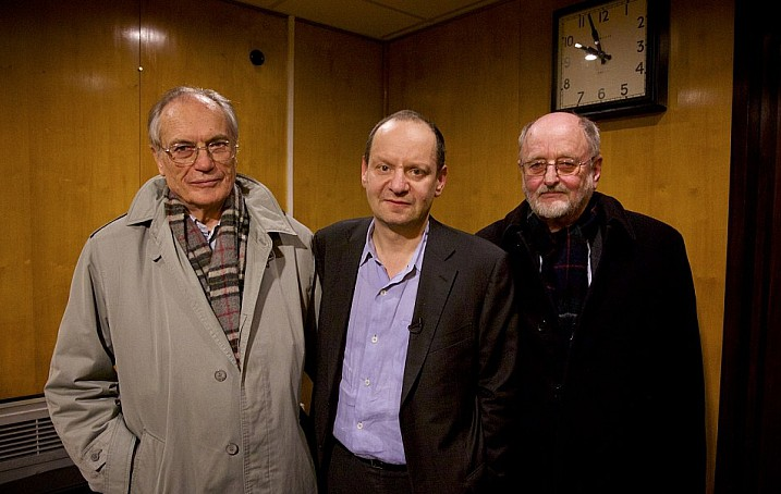 Wachter's son Horst (left), Frank's son Niklas (right) and Philippe Sands (centre)