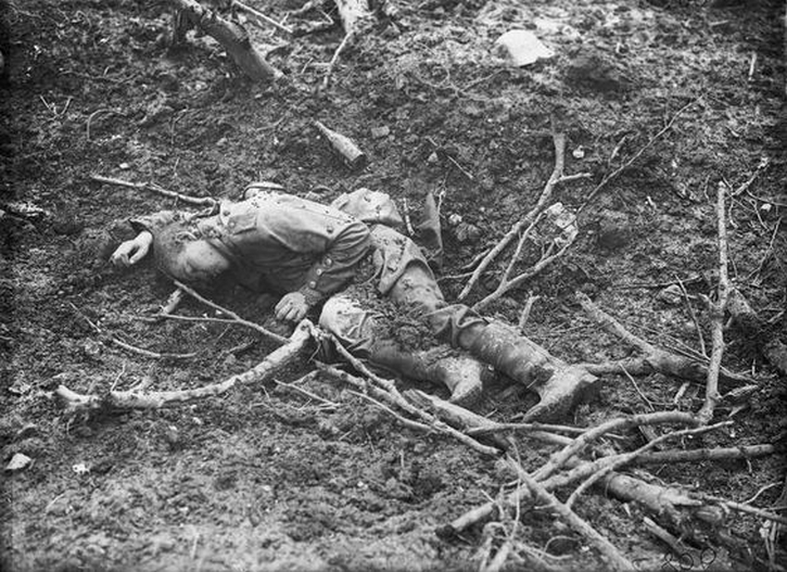 A single German casualty after the Battle of Thiepval, September 1916