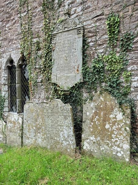 cwmyoy-church-4