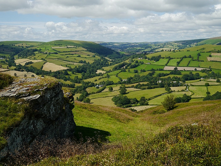 The Edw valley: photo by Bakpacking bongos