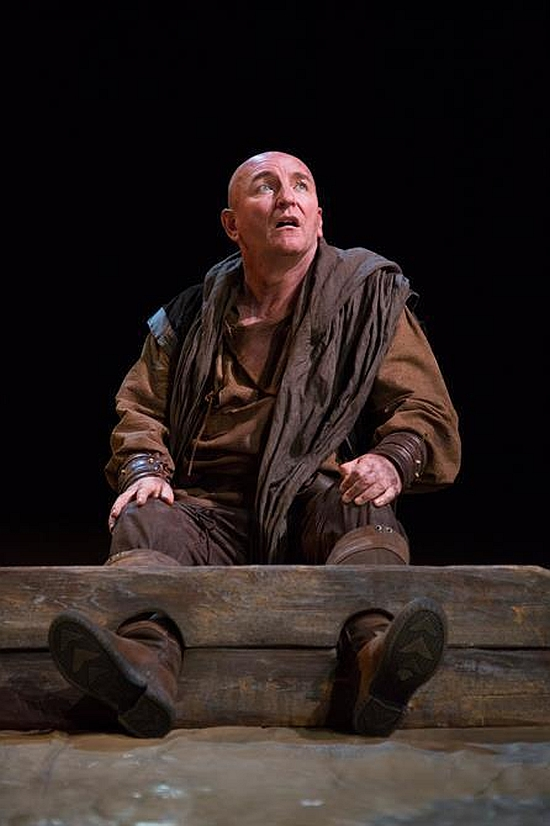 Antony Byrne as Kent in the stocks