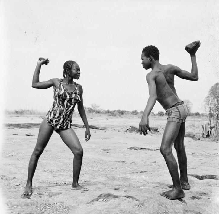 Malick-Sidibé, Combat desamis avecpierres,1976