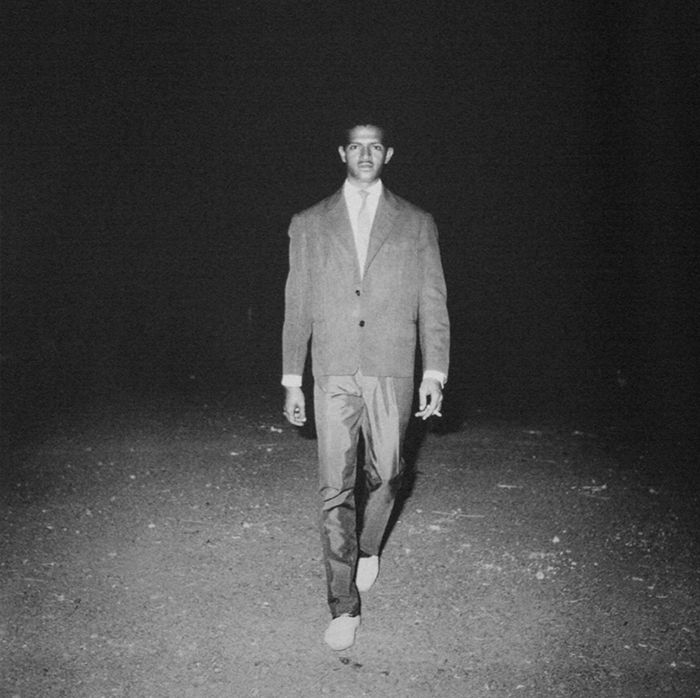 Malick Sidibé, A l'entrée de la soirée, 1963