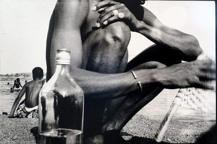 Malick-Sidibé, du The a la plage, 1976