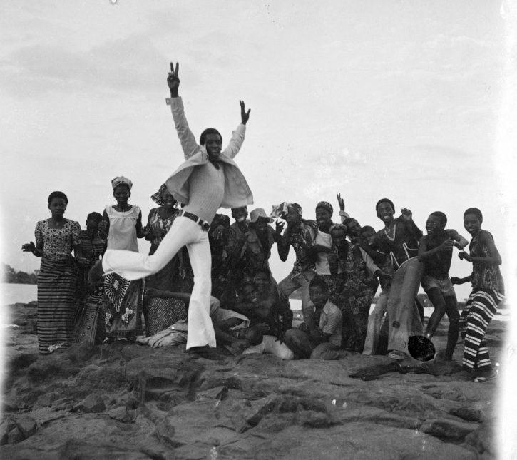 Malick-Sidibé, Dernier au revoir des jeunes au pique nique,1972