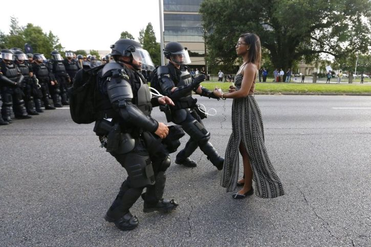 Ieshia Evans confronts police in Baton Rouge, July 2016
