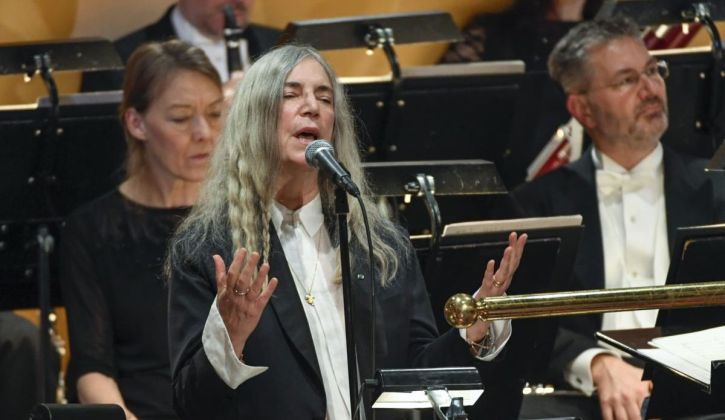 Patti Smith performs 'Hard Rain' at the Nobel ceremony in Oslo