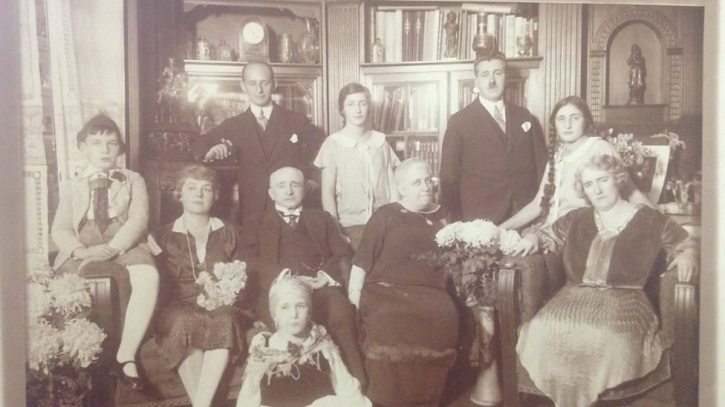 The Alexander family in their Kaiserallee apartment, Berlin
