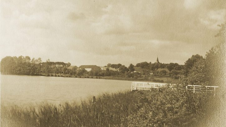 Gros Glienicke lake photographed by Lotte Jacobi in 1928
