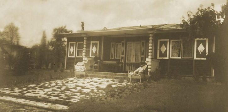 The house by the lake in 1928, photographed by Lotte Jacobi